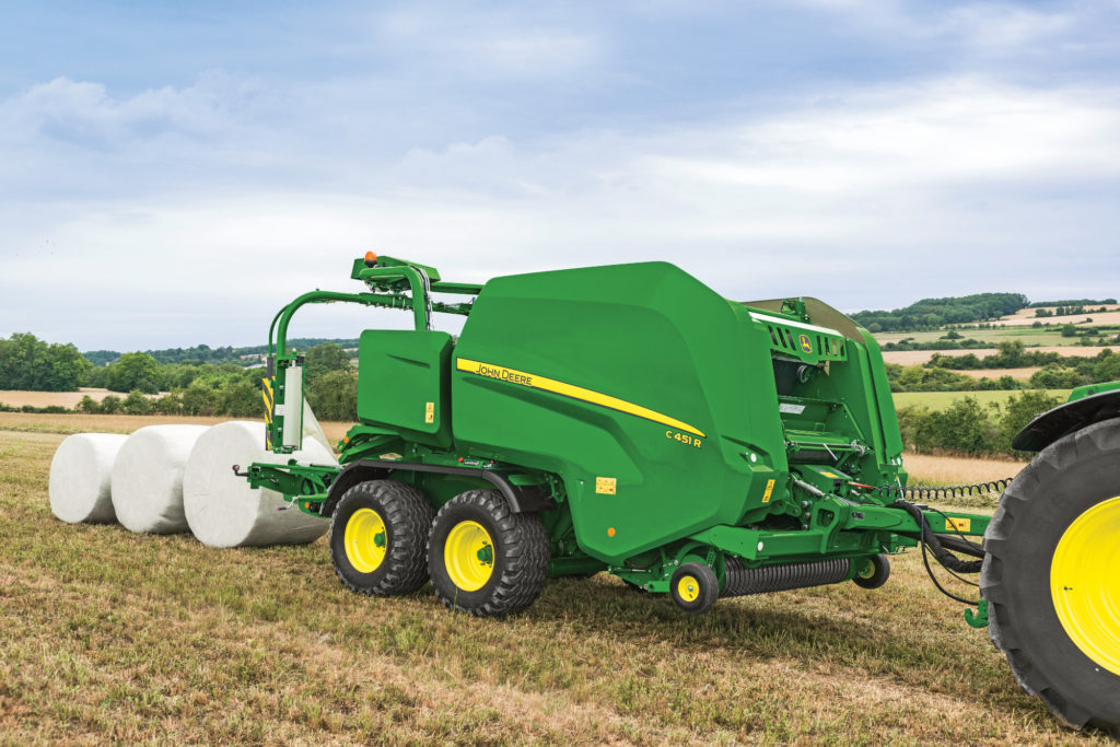 New variable chamber wrapping balers from John Deere | Farm
