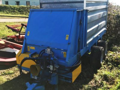 KWH Side Discharge Compost Spreader